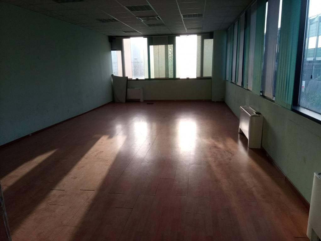 Ufficio / Studio in vendita a Bresso, 6 locali, prezzo € 600.000   PortaleAgenzieImmobiliari.it