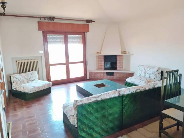 Appartamento in buone condizioni parzialmente arredato in vendita Rif. 5865083