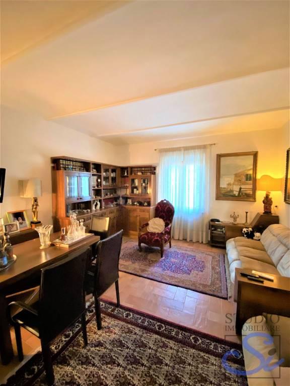 Appartamento in affitto a Quarrata, 5 locali, prezzo € 650 | CambioCasa.it