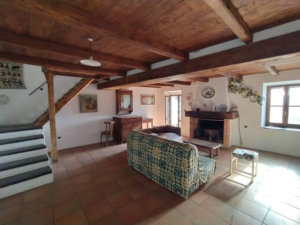 Rustico / Casale in vendita a Maissana, 7 locali, prezzo € 130.000   PortaleAgenzieImmobiliari.it