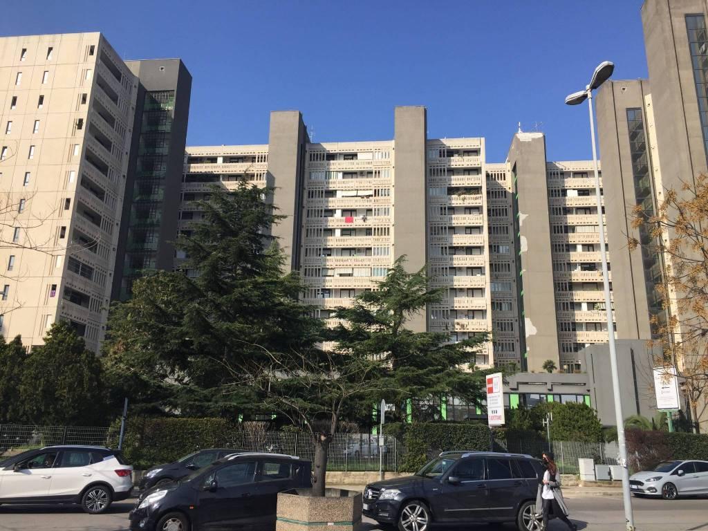 Appartamento in buone condizioni in vendita Rif. 9256925