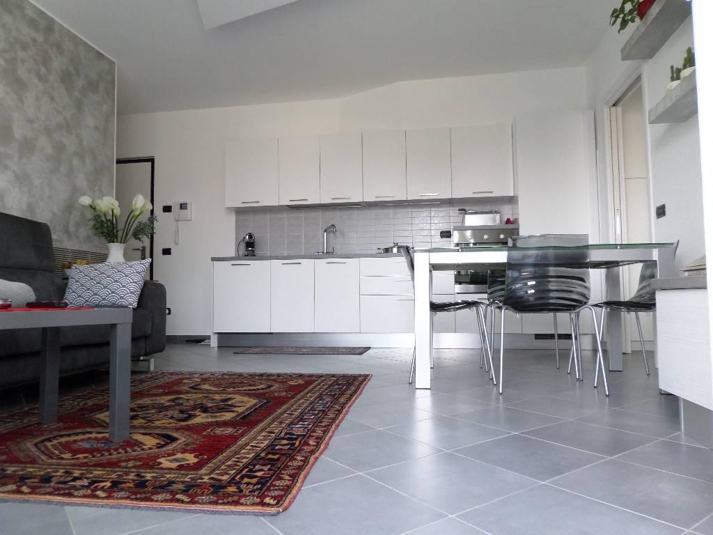 Appartamento in vendita a Uboldo, 2 locali, prezzo € 139.000 | PortaleAgenzieImmobiliari.it