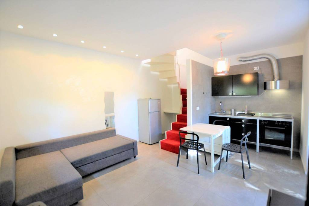 Appartamento in Affitto a Riccione Centro: 2 locali, 65 mq