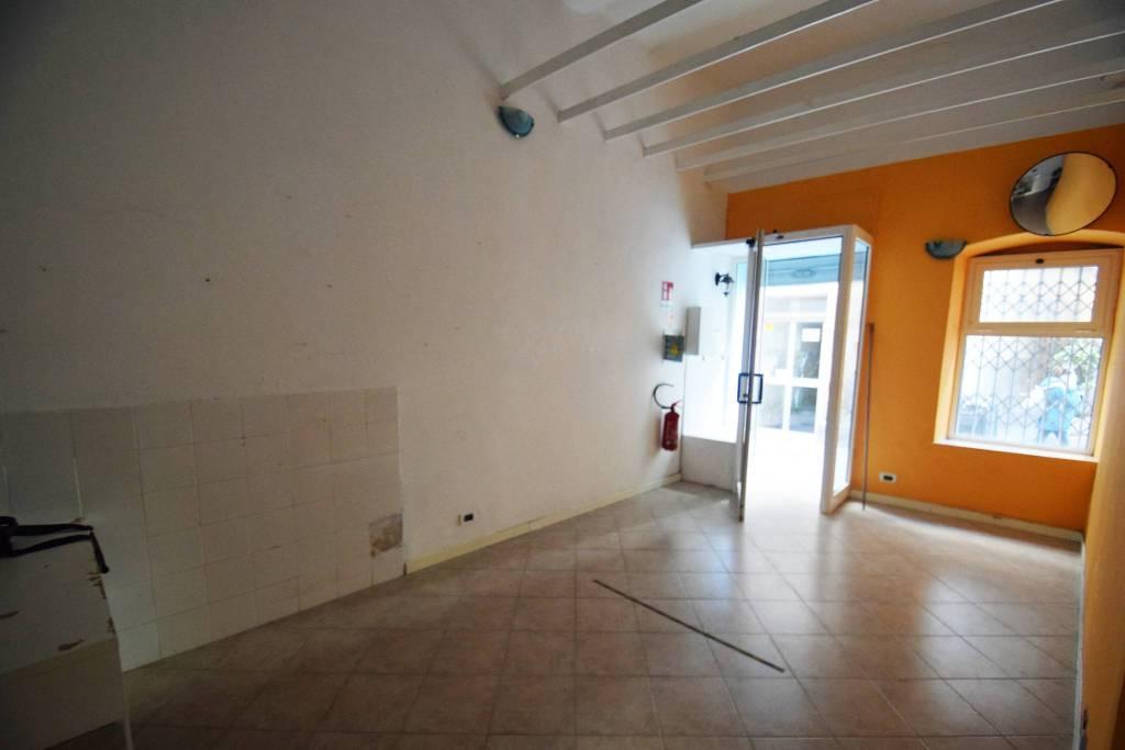 Negozio / Locale in affitto a Genova, 1 locali, zona Zona: 16 . Voltri, Ponente Mare, prezzo € 350 | CambioCasa.it