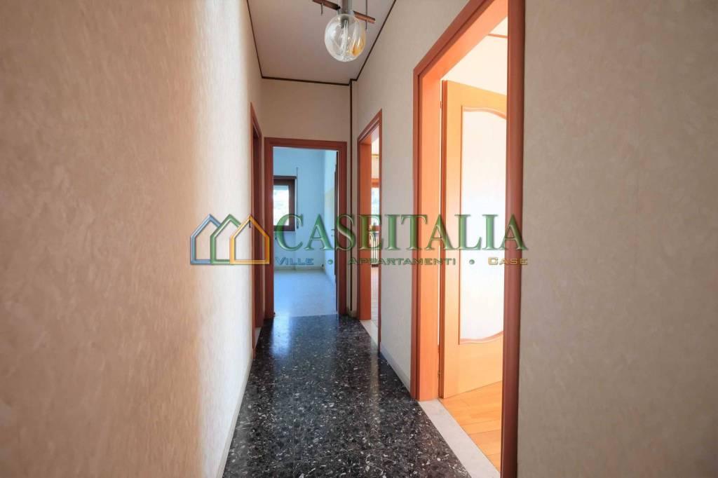Foto 1 di Appartamento via Emilio Pinchia, Ivrea
