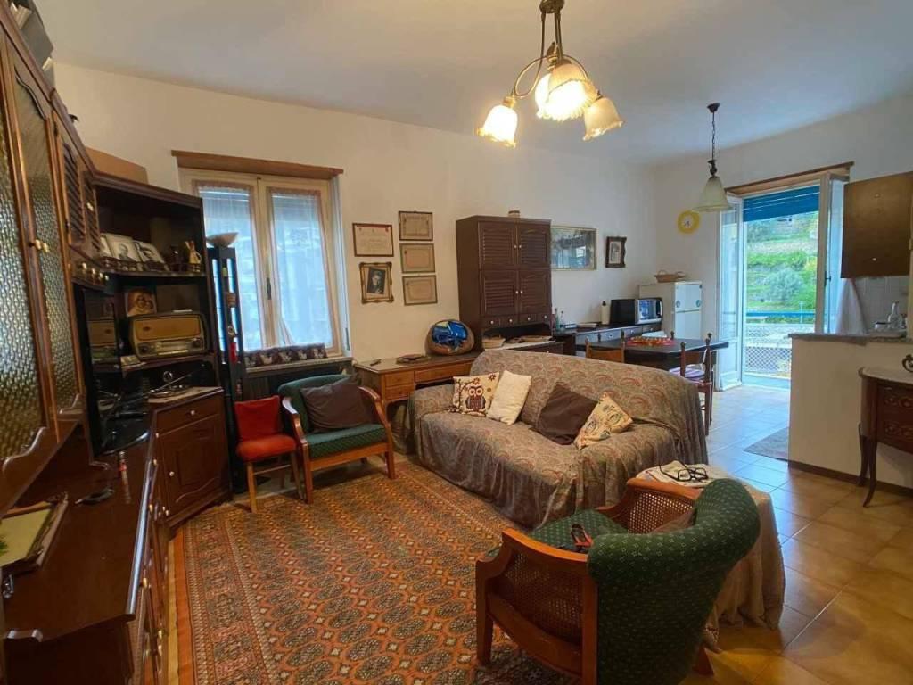 Appartamento in vendita a Noli, 4 locali, prezzo € 237.000 | CambioCasa.it