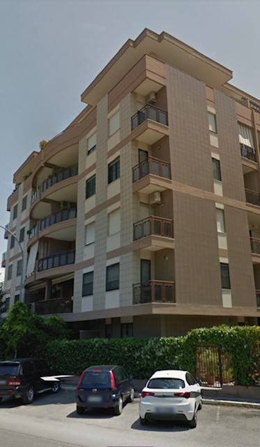 Appartamento in Vendita a Foggia Semicentro: 4 locali, 130 mq