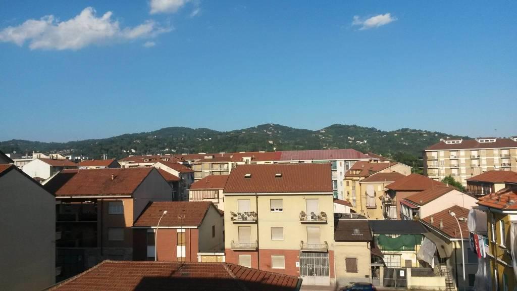 Appartamento in vendita a Moncalieri, 3 locali, prezzo € 62.000 | CambioCasa.it