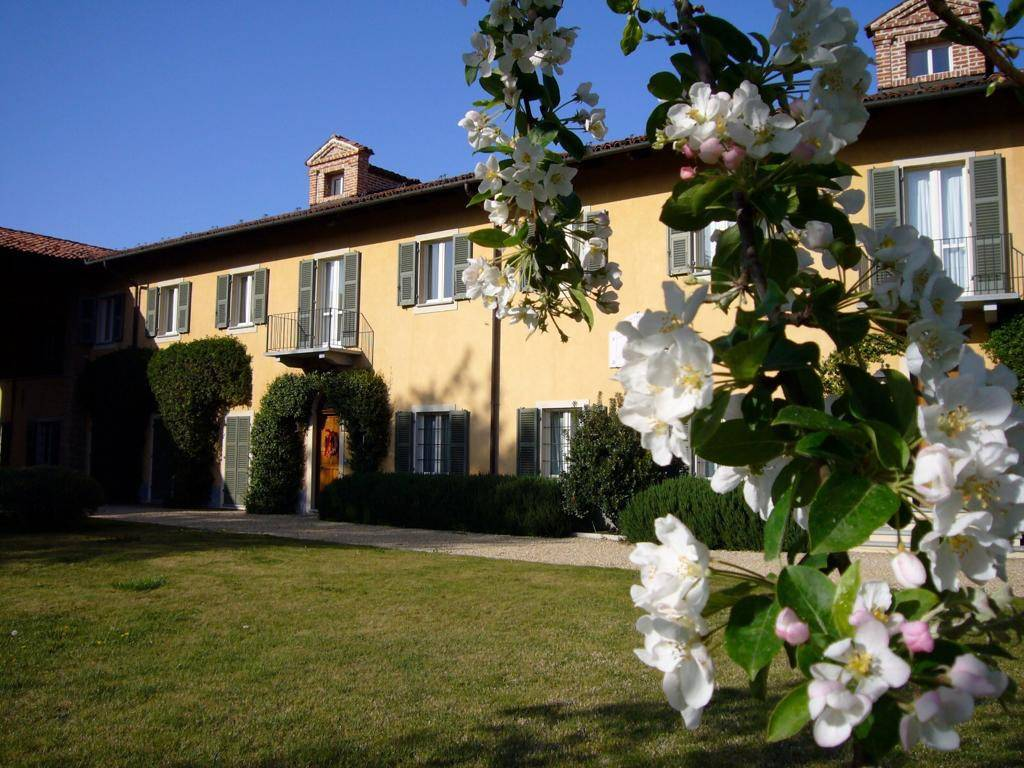 Villa in affitto a Chieri, 5 locali, prezzo € 2.900 | CambioCasa.it
