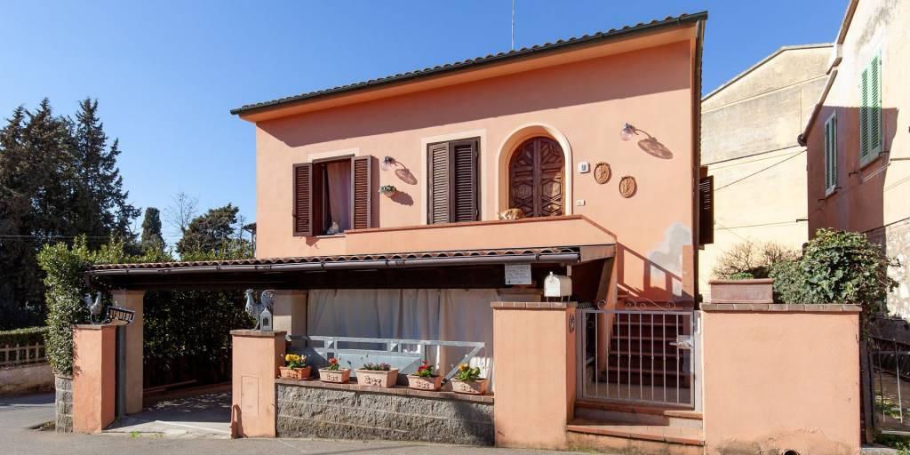 Villa in Vendita a Lajatico Centro: 5 locali, 188 mq