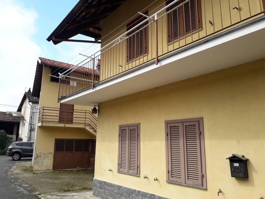 Foto 1 di Casa indipendente Vauda Canavese