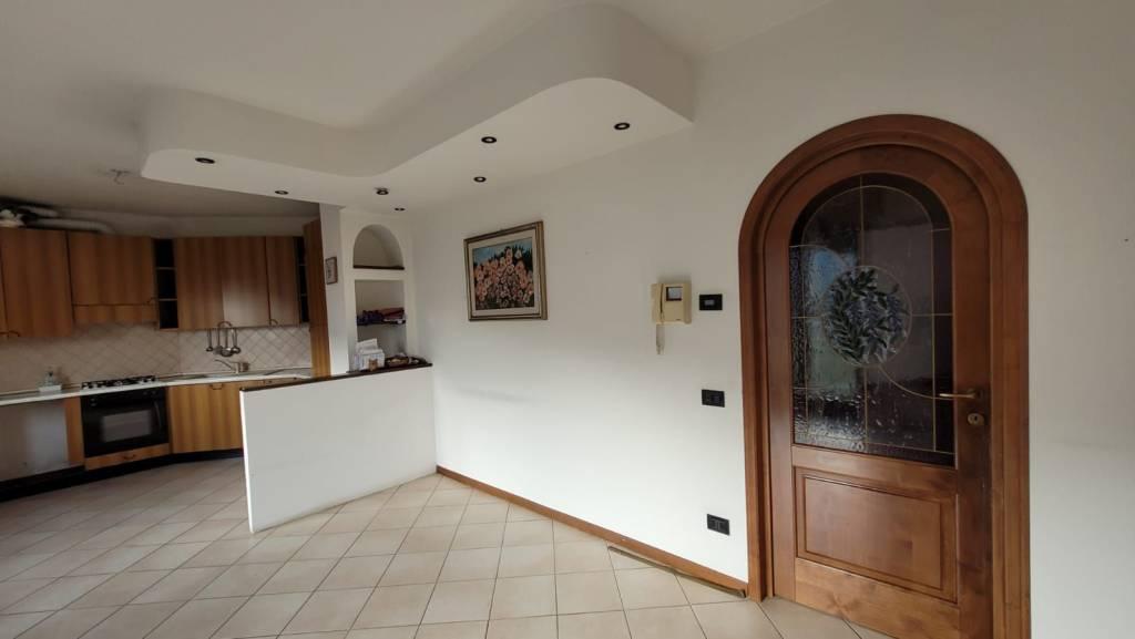 Appartamento in vendita a Gazzaniga, 3 locali, prezzo € 95.000   PortaleAgenzieImmobiliari.it