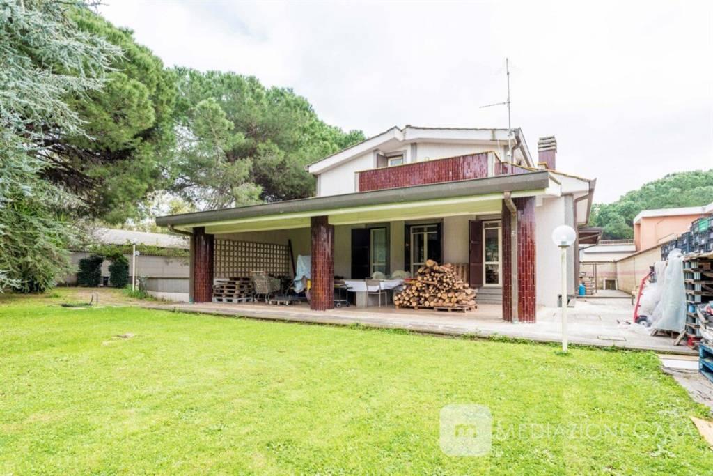 Villa in vendita a Albano Laziale, 5 locali, prezzo € 449.000 | CambioCasa.it