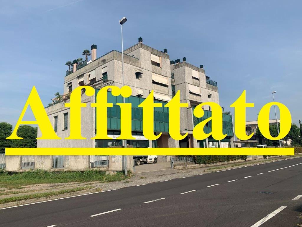 Ufficio / Studio in affitto a Bareggio, 3 locali, prezzo € 900 | PortaleAgenzieImmobiliari.it