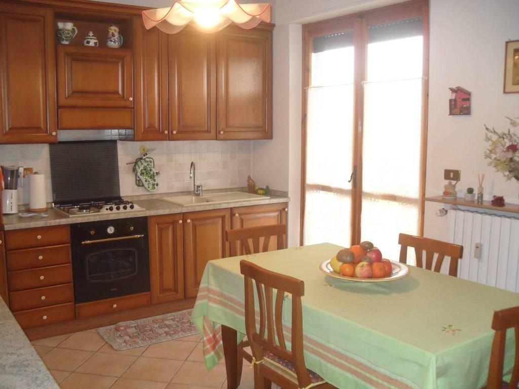 Appartamento in vendita a San Damiano d'Asti, 4 locali, prezzo € 110.000 | PortaleAgenzieImmobiliari.it