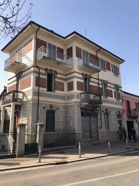TROFARELLO CENTRO - PALAZZOTTO PLURIFAMILIARE/NEGOZIO