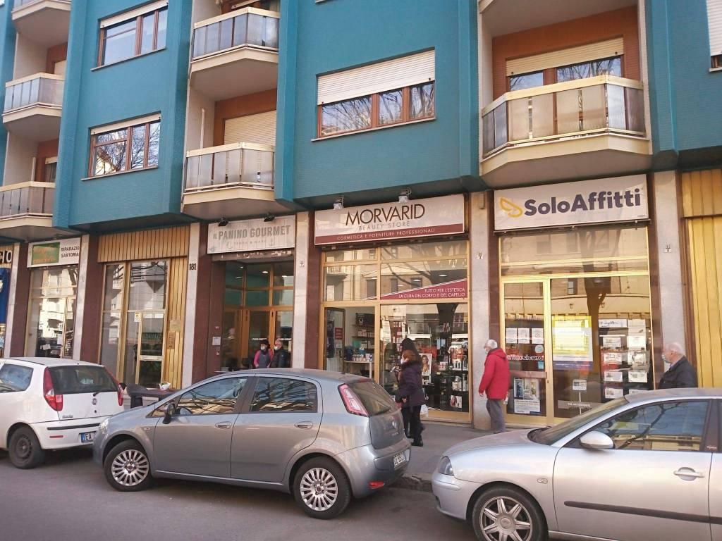 Negozio / Locale in vendita a Torino, 1 locali, zona Zona: 4 . Nizza Millefonti, Italia 61, Valentino, prezzo € 160.000 | CambioCasa.it