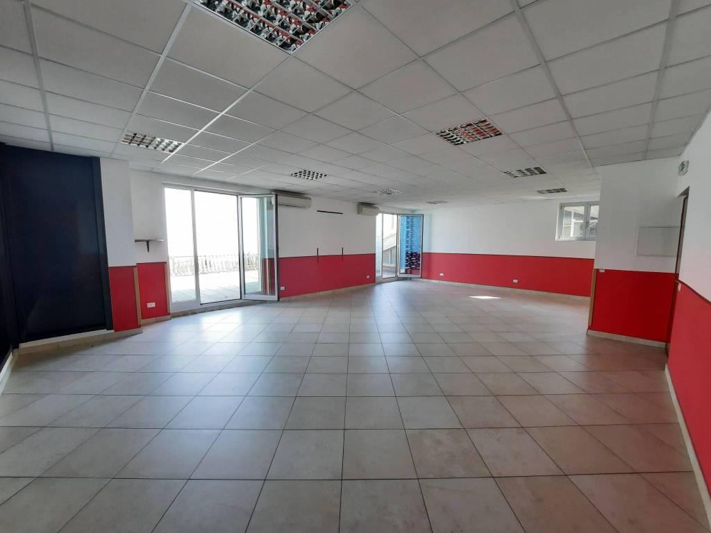 Ufficio / Studio in affitto a Legnano, 1 locali, prezzo € 833 | PortaleAgenzieImmobiliari.it