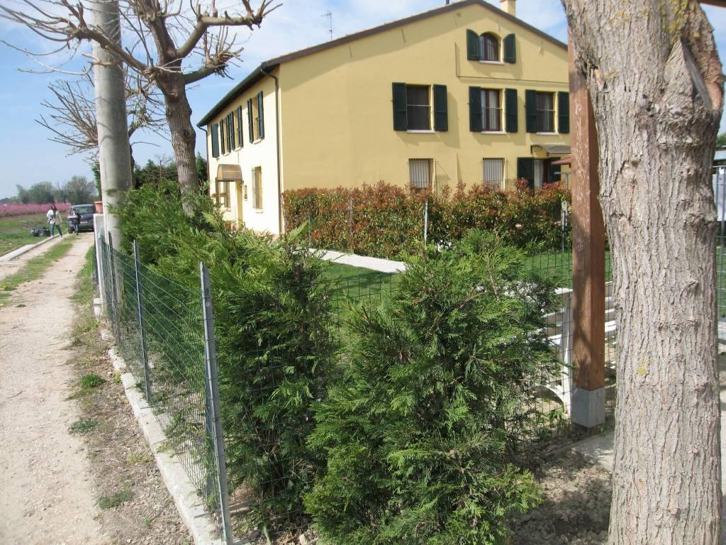 Appartamento in vendita a Russi, 4 locali, prezzo € 170.000   CambioCasa.it