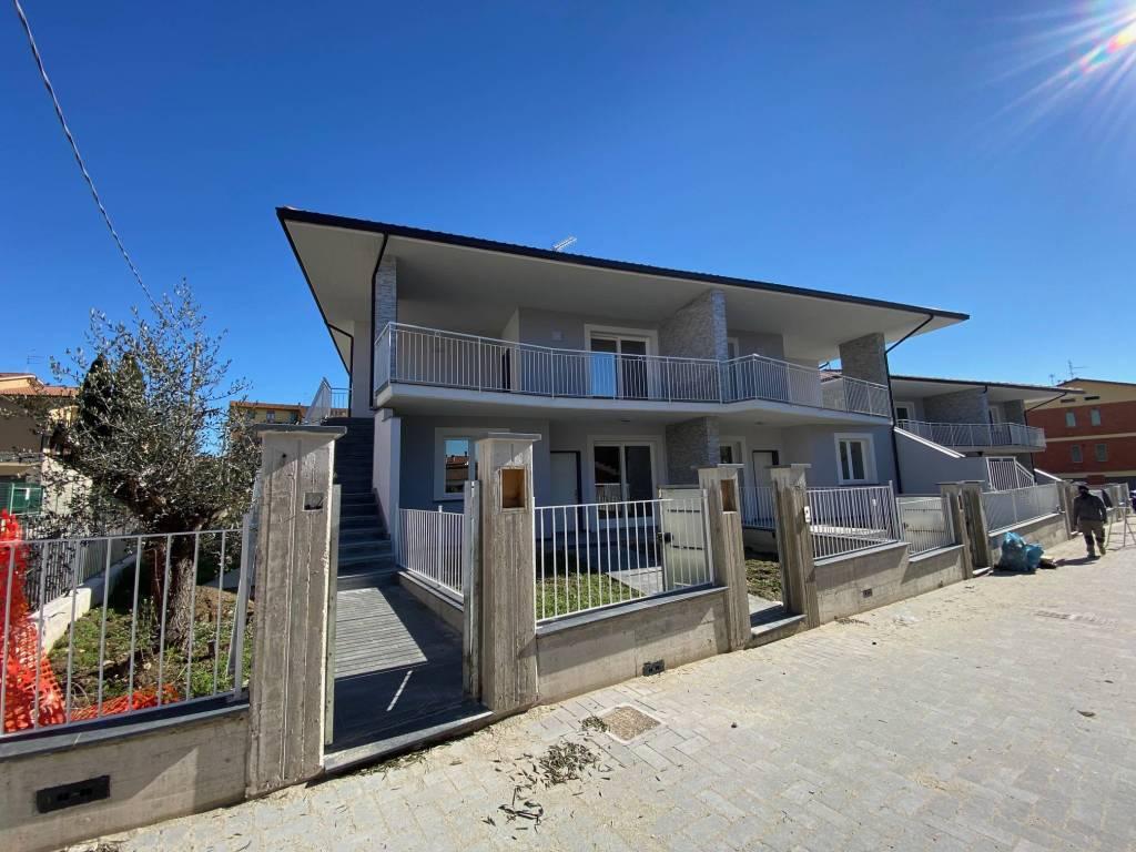 Appartamento in Vendita a Castiglione Del Lago Centro: 3 locali, 79 mq