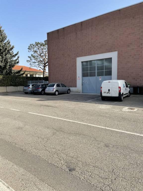 Capannone in vendita a Turate, 2 locali, prezzo € 490.000 | CambioCasa.it