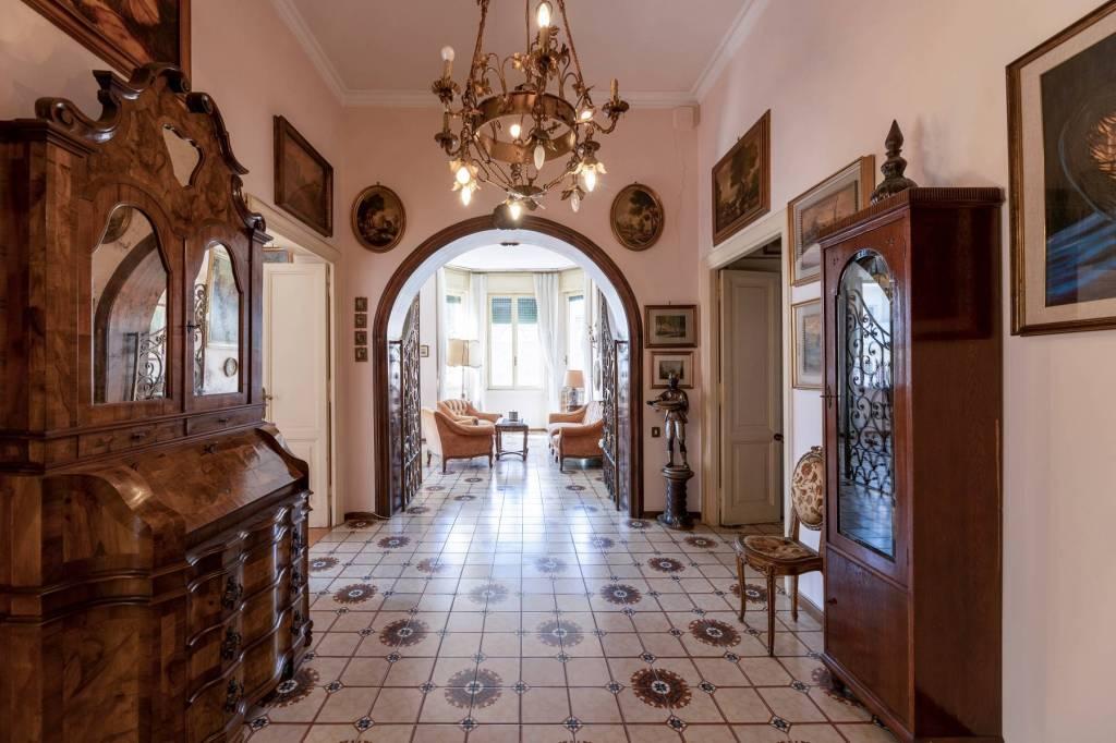Appartamento in vendita a Roma, 5 locali, zona Zona: 17 . Aventino, San Saba , Piramide, prezzo € 1.200.000 | CambioCasa.it