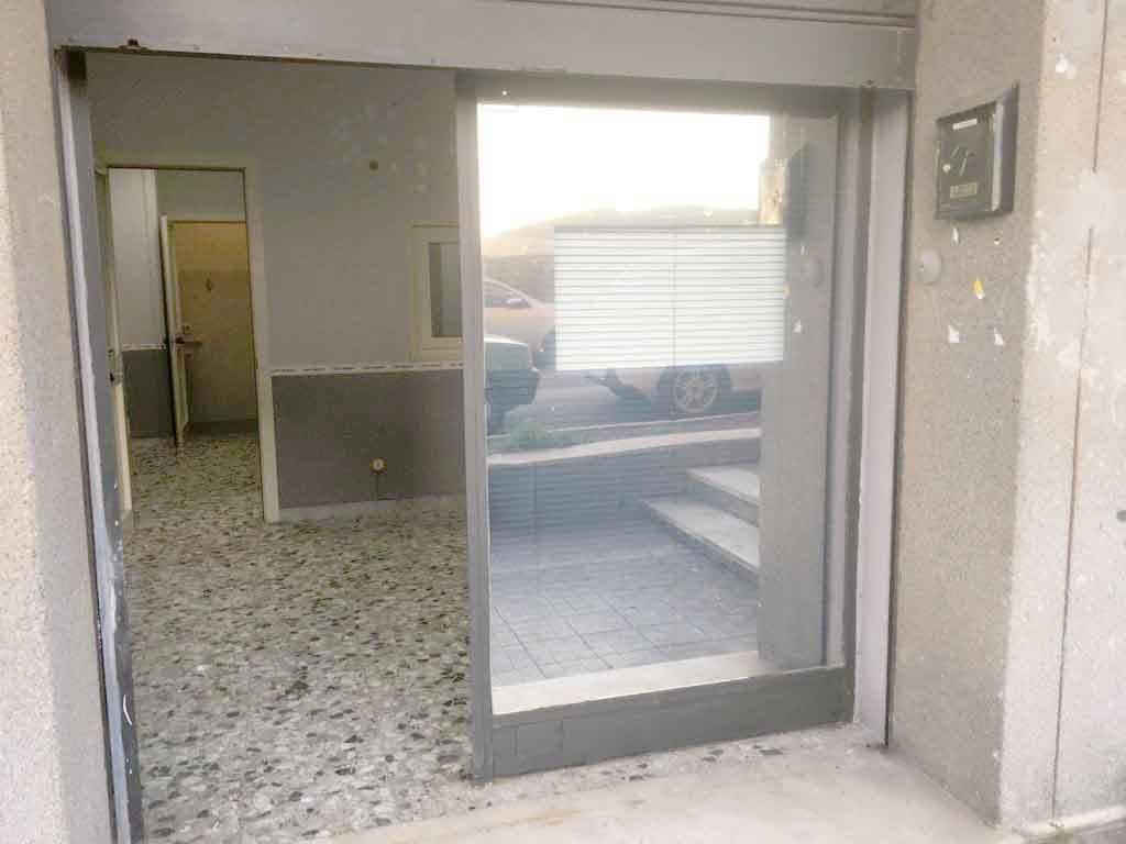 Negozio / Locale in affitto a Albano Laziale, 2 locali, prezzo € 500 | CambioCasa.it