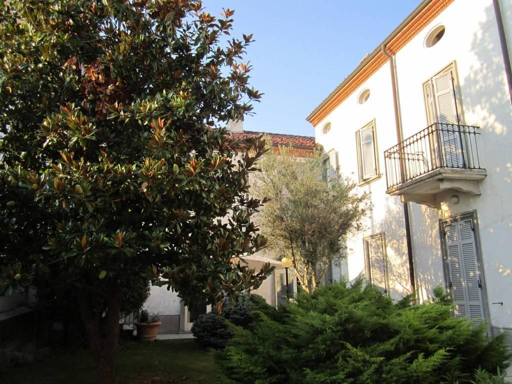 Palazzo / Stabile in vendita a San Salvatore Monferrato, 6 locali, prezzo € 780.000 | CambioCasa.it