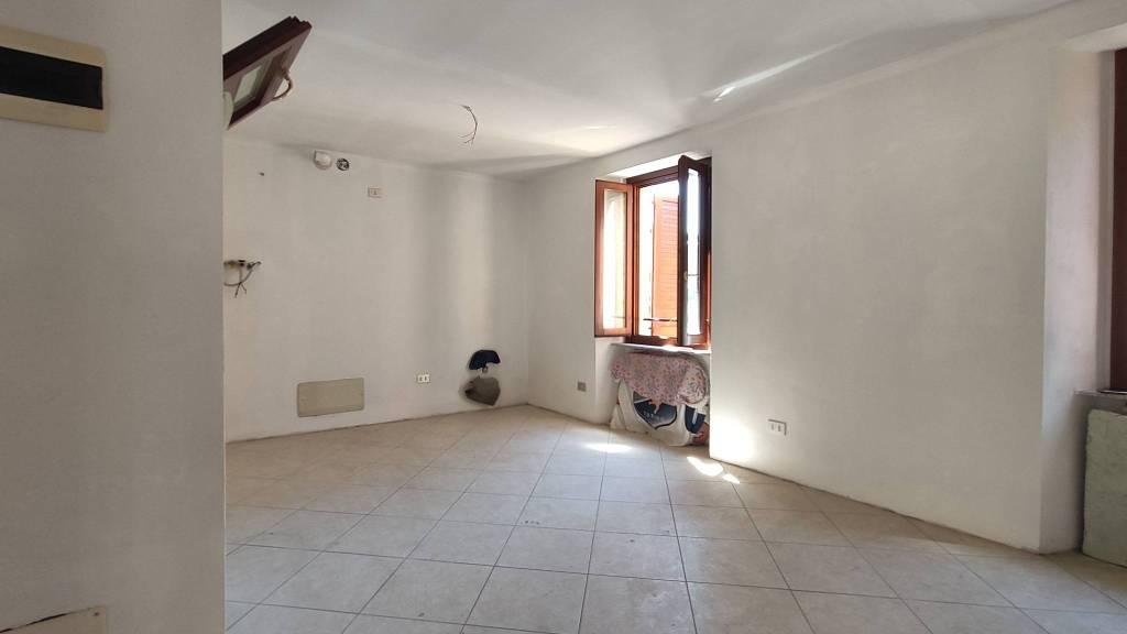 Appartamento in vendita a Nembro, 2 locali, prezzo € 68.000   PortaleAgenzieImmobiliari.it