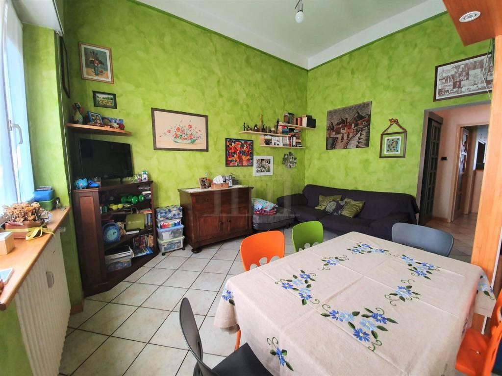 Appartamento in vendita a Gallarate, 3 locali, prezzo € 89.000 | CambioCasa.it