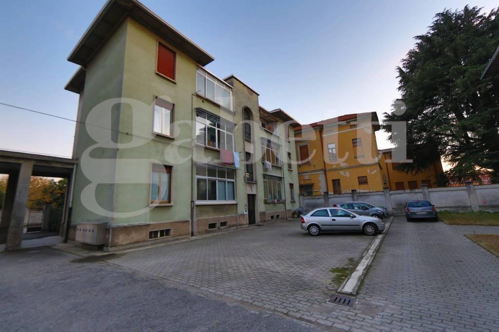 Appartamento in affitto a Gallarate, 3 locali, prezzo € 350 | CambioCasa.it