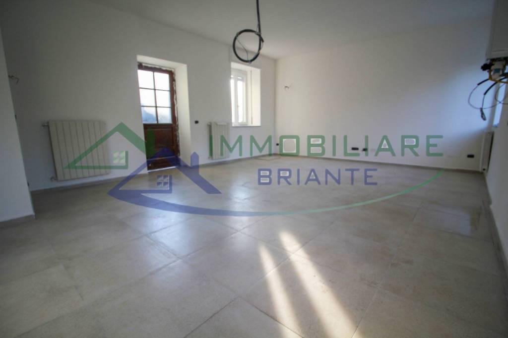 Appartamento in vendita a Mornago, 3 locali, prezzo € 77.000   CambioCasa.it
