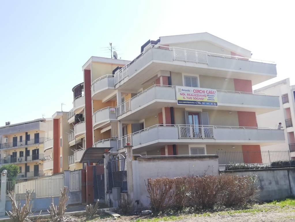 Appartamento in ottime condizioni in vendita Rif. 8675727