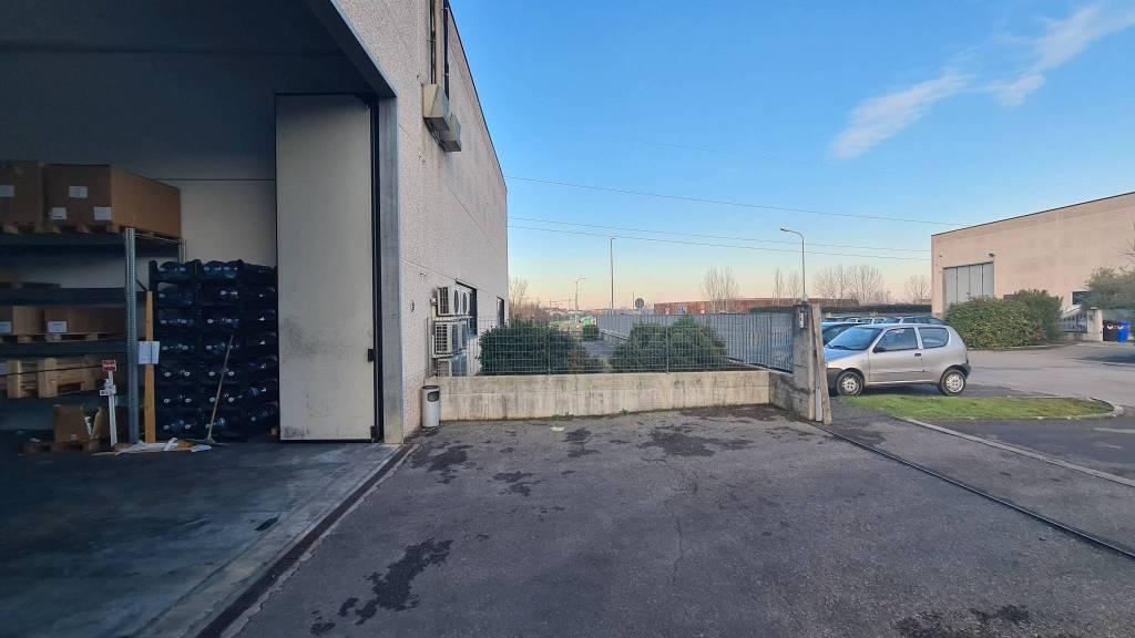 Capannone in affitto a Soliera, 9999 locali, prezzo € 1.450 | CambioCasa.it