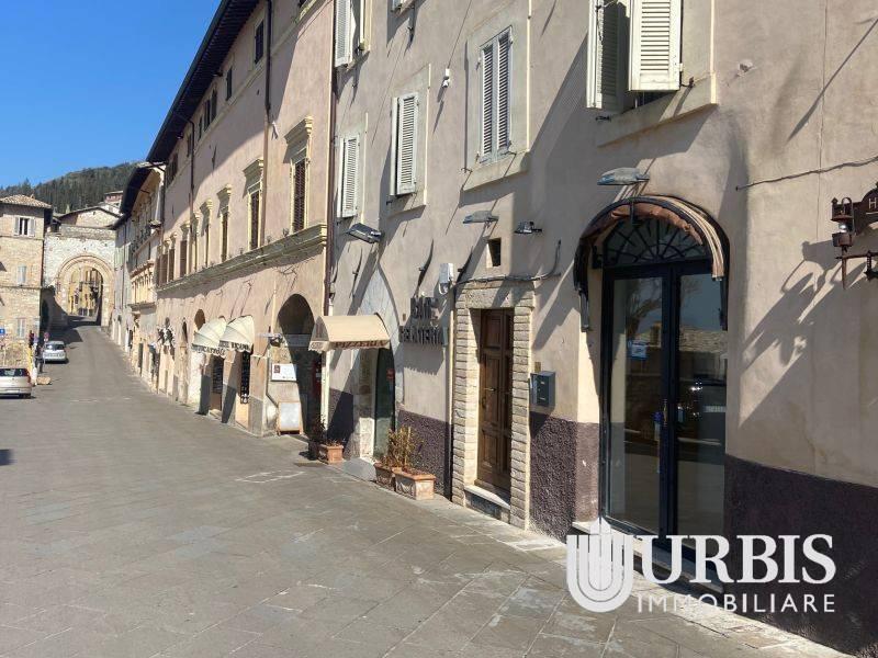 Attività / Licenza in affitto a Assisi, 1 locali, Trattative riservate | CambioCasa.it