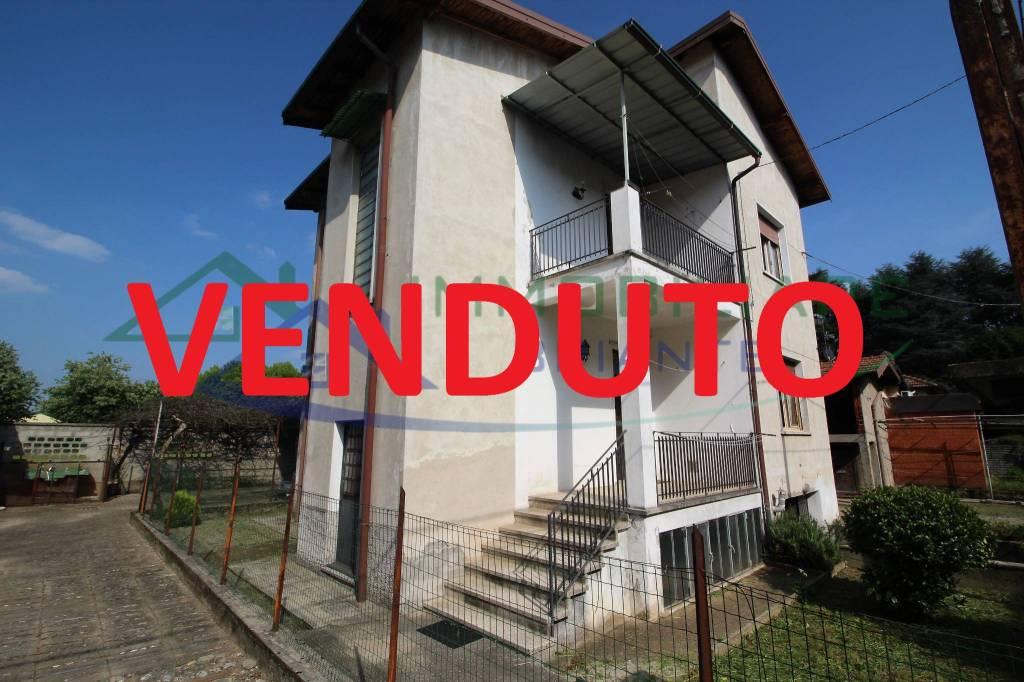 Villa in vendita a Casorate Sempione, 6 locali, prezzo € 139.000 | CambioCasa.it