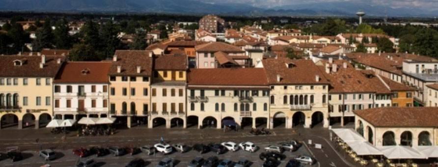 Attico / Mansarda in vendita a Castelfranco Veneto, 6 locali, Trattative riservate | PortaleAgenzieImmobiliari.it
