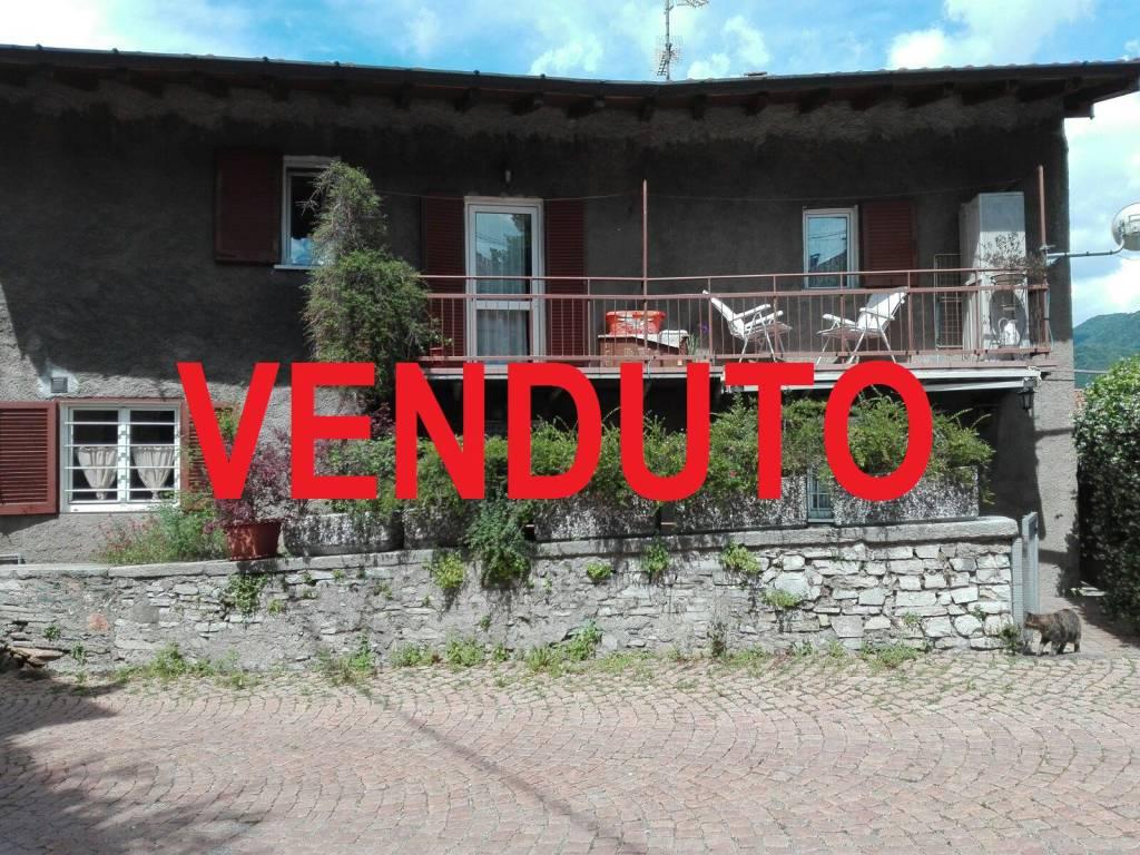 Soluzione Indipendente in vendita a Bisuschio, 3 locali, prezzo € 105.000 | CambioCasa.it