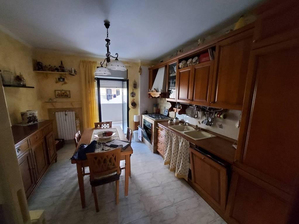 panoramico appartamento con box e posto auto, foto 2