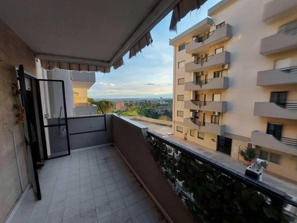 panoramico appartamento con box e posto auto, foto 3