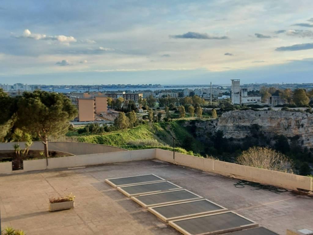 panoramico appartamento con box e posto auto, foto 4