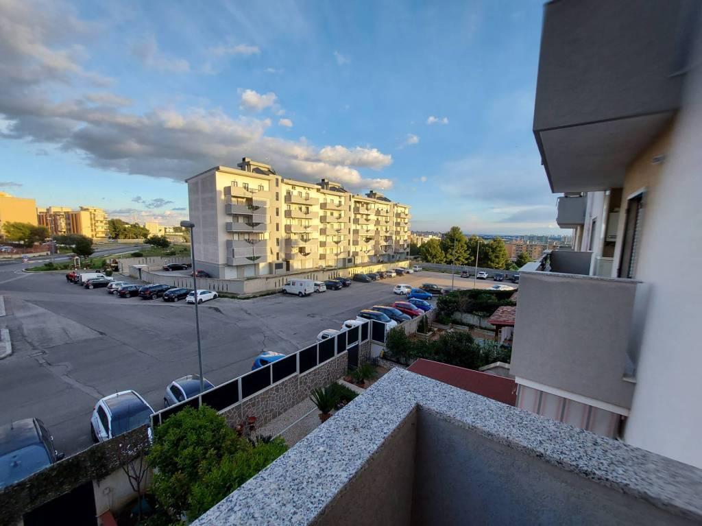 panoramico appartamento con box e posto auto, foto 8