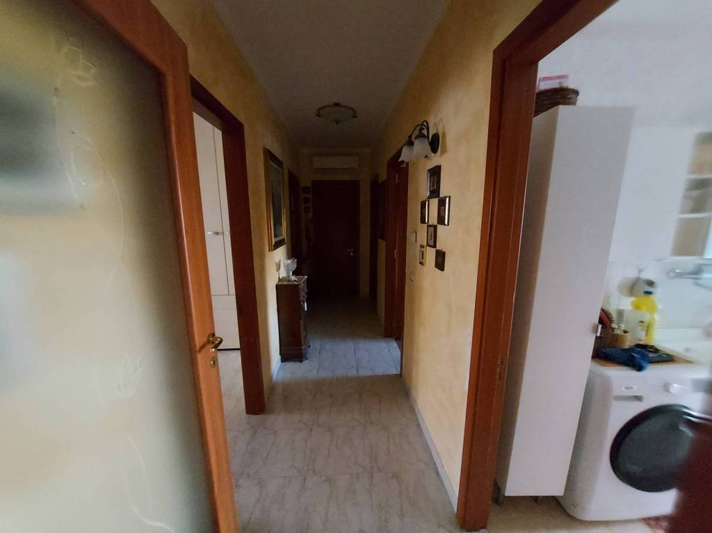 panoramico appartamento con box e posto auto, foto 10