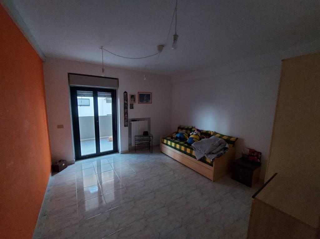 panoramico appartamento con box e posto auto, foto 14