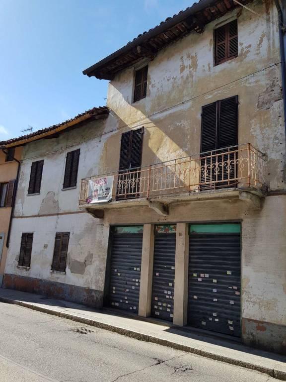 Rustico / Casale in vendita a Volpiano, 10 locali, prezzo € 120.000 | CambioCasa.it