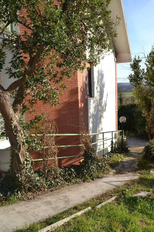 Villa in vendita a Almese, 6 locali, prezzo € 250.000   CambioCasa.it