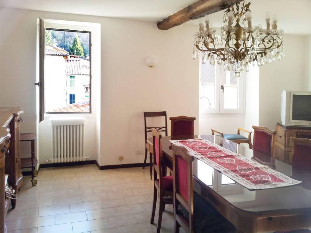 Appartamento in ottime condizioni arredato in affitto Rif. 7825866