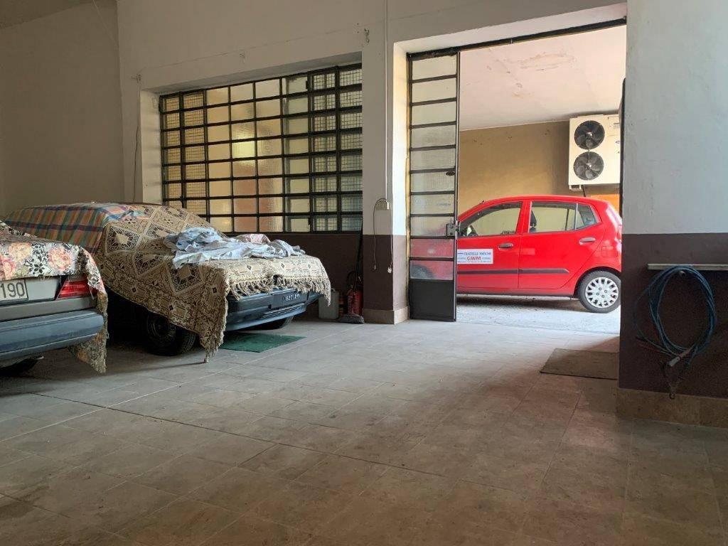 Magazzino in vendita a Cerro Maggiore, 9999 locali, prezzo € 75.000   PortaleAgenzieImmobiliari.it