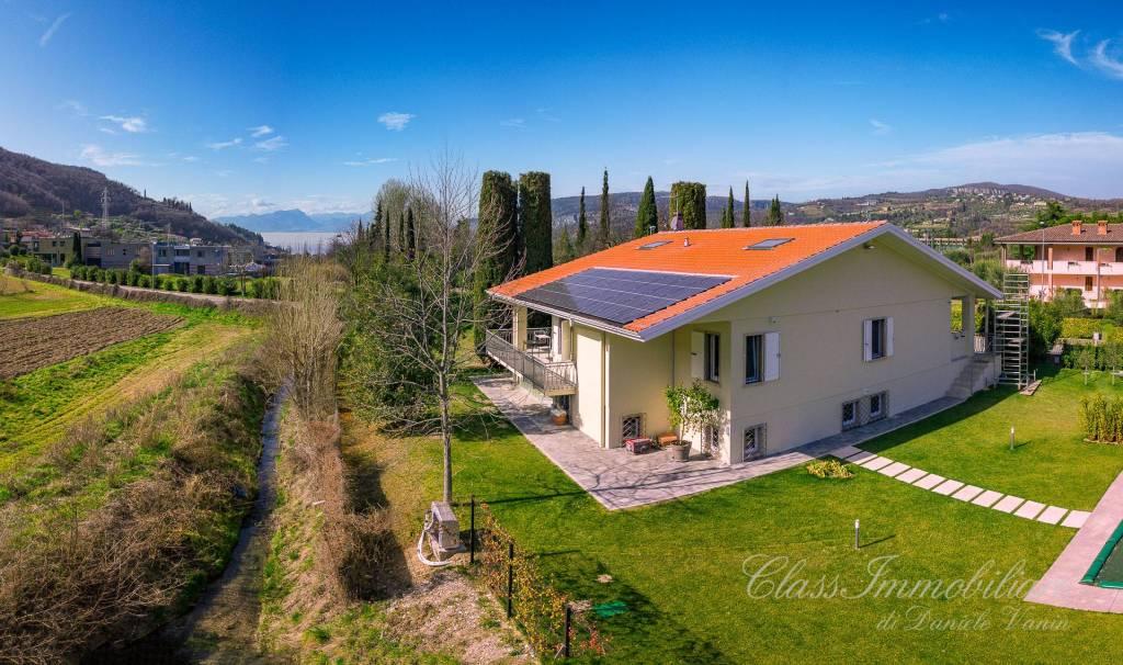 Villa in vendita a Garda, 8 locali, prezzo € 890.000 | CambioCasa.it