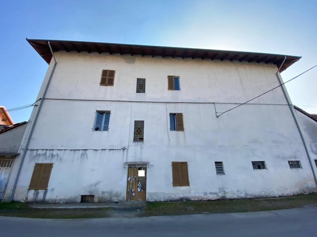 Soluzione Indipendente in vendita a San Giusto Canavese, 9 locali, prezzo € 135.000 | PortaleAgenzieImmobiliari.it